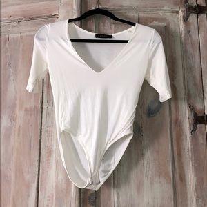 V neck half sleeve bodysuit size small